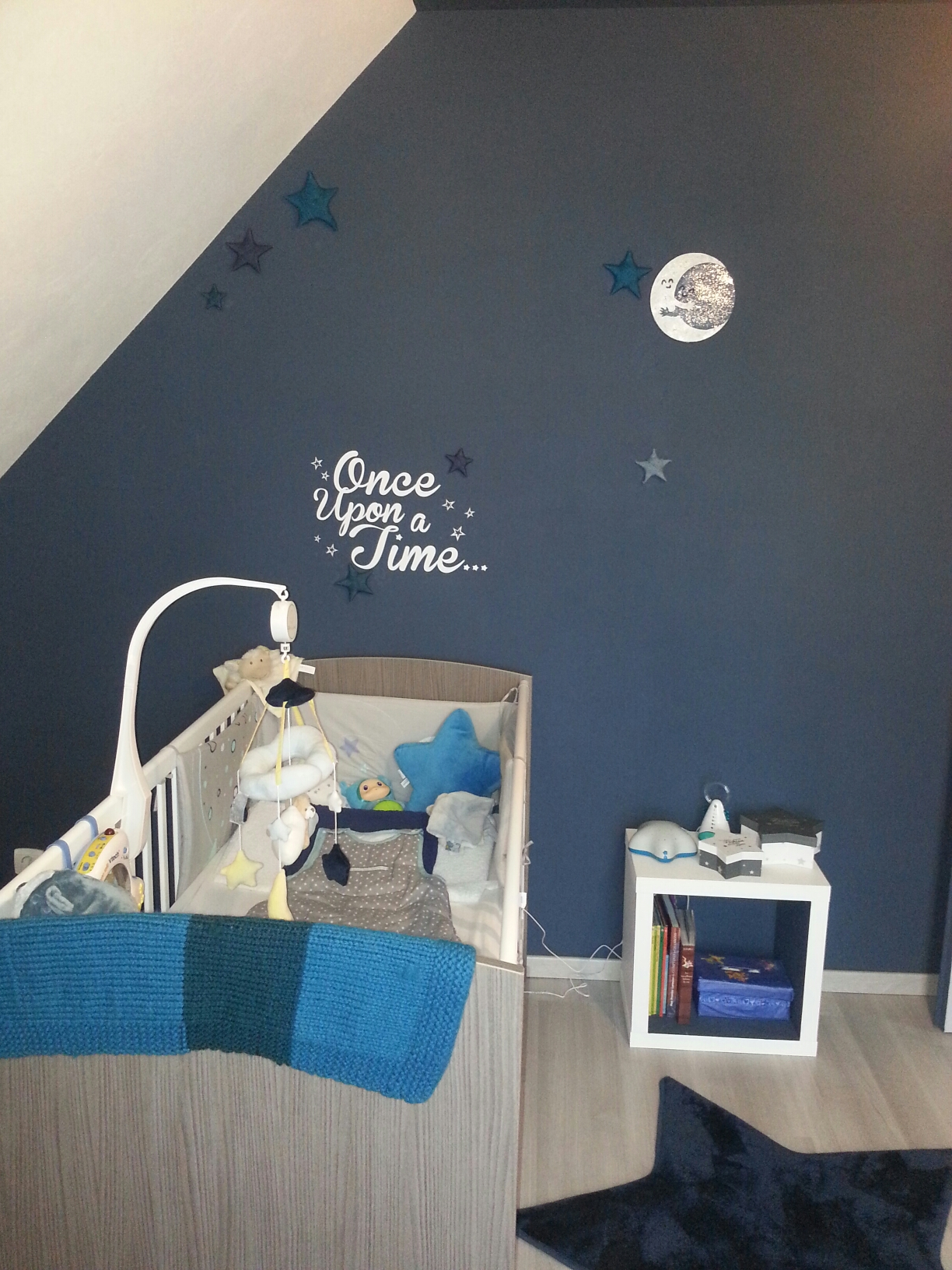Little prince room damned mom for Couleur mur chambre bebe